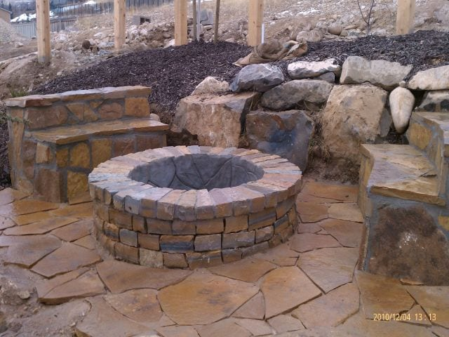 Fire pit vs Outdoor Fireplace