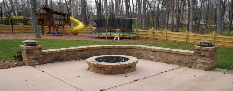 Brick Fire Pit - Brick Wall and Pillars - Featured