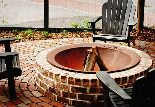 Brick Fire Pit : Brick fire pit for a rustic durable look